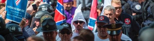 Resultado de imagem para Imagens do protesto EUA nazista