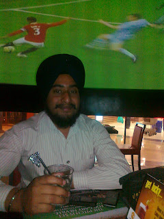 manchester united cafe mumbai