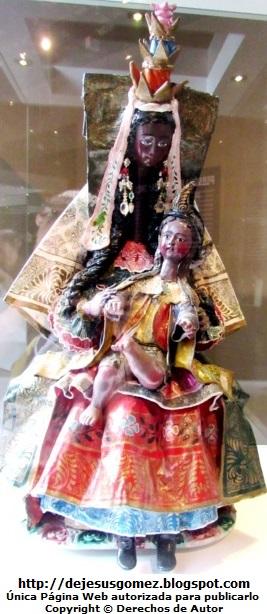 Foto de Virgen La Macarena hecha de madera, pasta y tela encolada por un Cuzqueño - Museo de Arte y Tradiciones Populares por Jesus Gomez