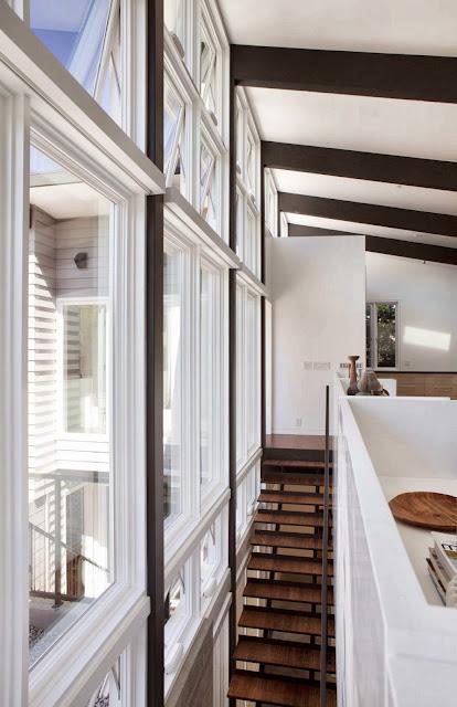 Un faro de ideas moderna casa con espacios integrados for Casa moderna kw