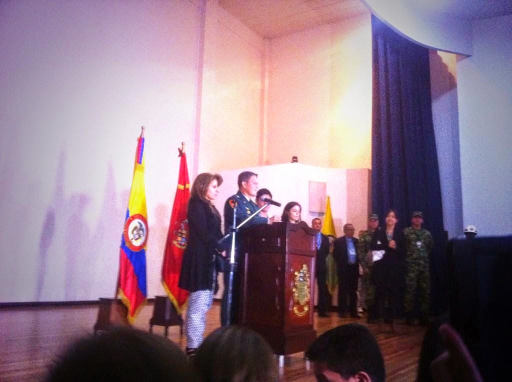 Colombian army general Rubén Darío Alzate announces his resignation after being kidnapped.