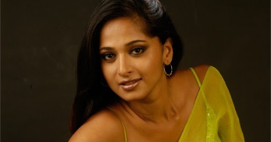 Actress Anushka Shetty Hot Photos In Green Saree