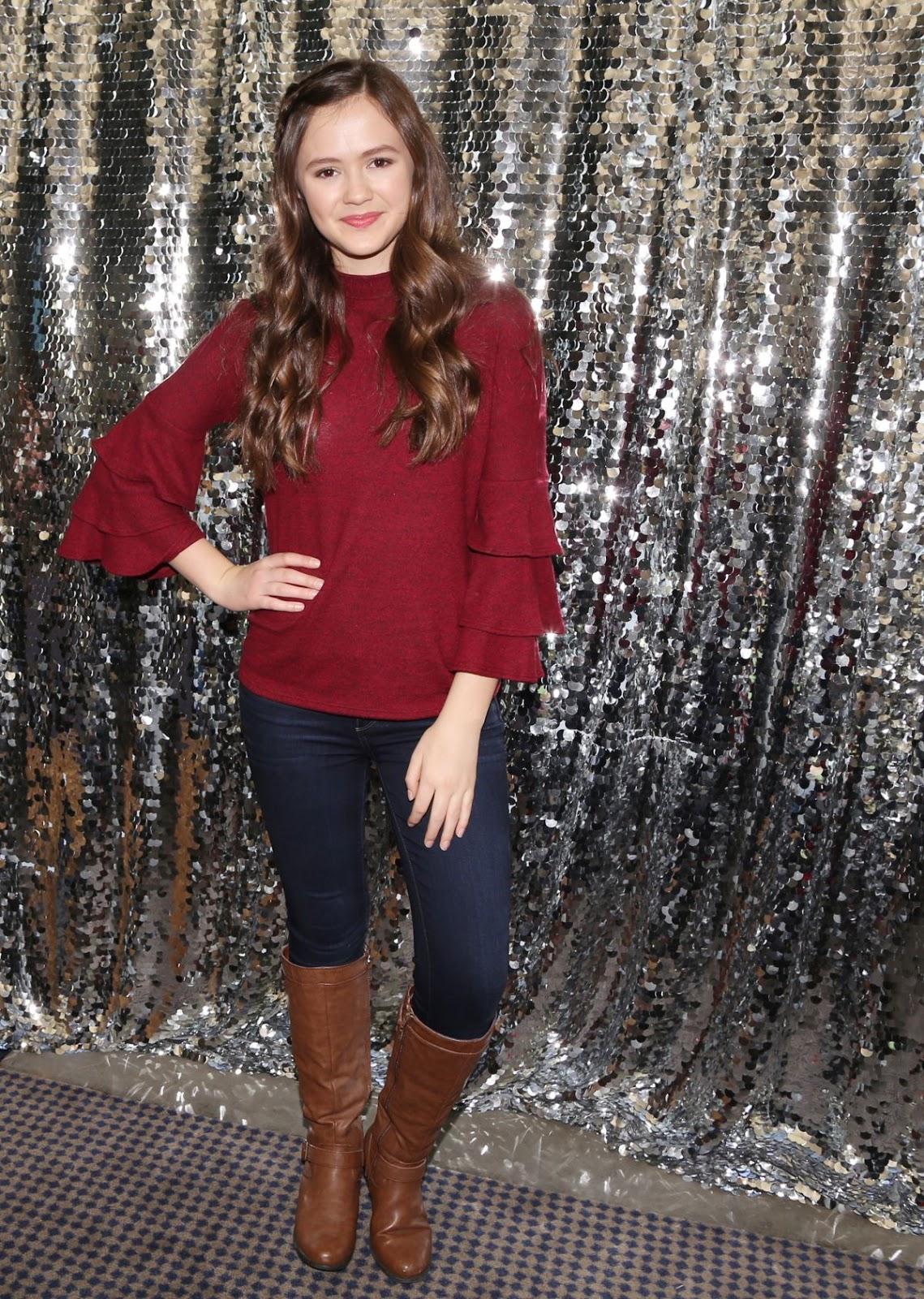 Starlet Arcade Olivia Sanabia