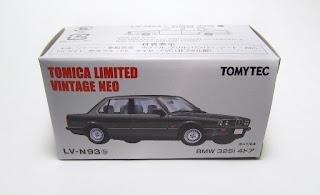 Tomica Limited Vintage NEO LV-N93b BMW 325i 4-Door