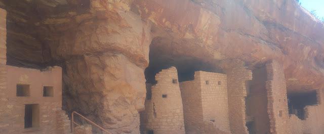שוכני המערות
