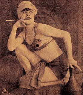 Femeile fumeaza