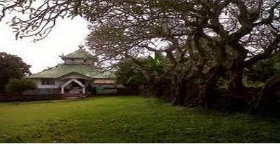 wisata di benteng keraton liya togo