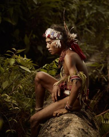 suku mentawai wisata sumatera barat