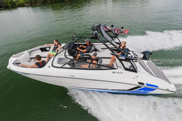 Celebrate Spring With A Surdyke Yamaha Boat Rental