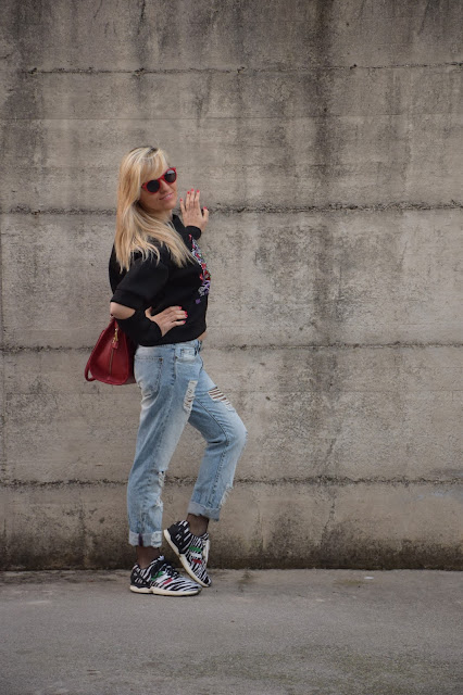 cut out sweatshirt how to wear cut out sweatshirt december outfit winter casual outfit mariafelicia magno fashion blogger color block by felym fashion bloggers italy italian web influencer