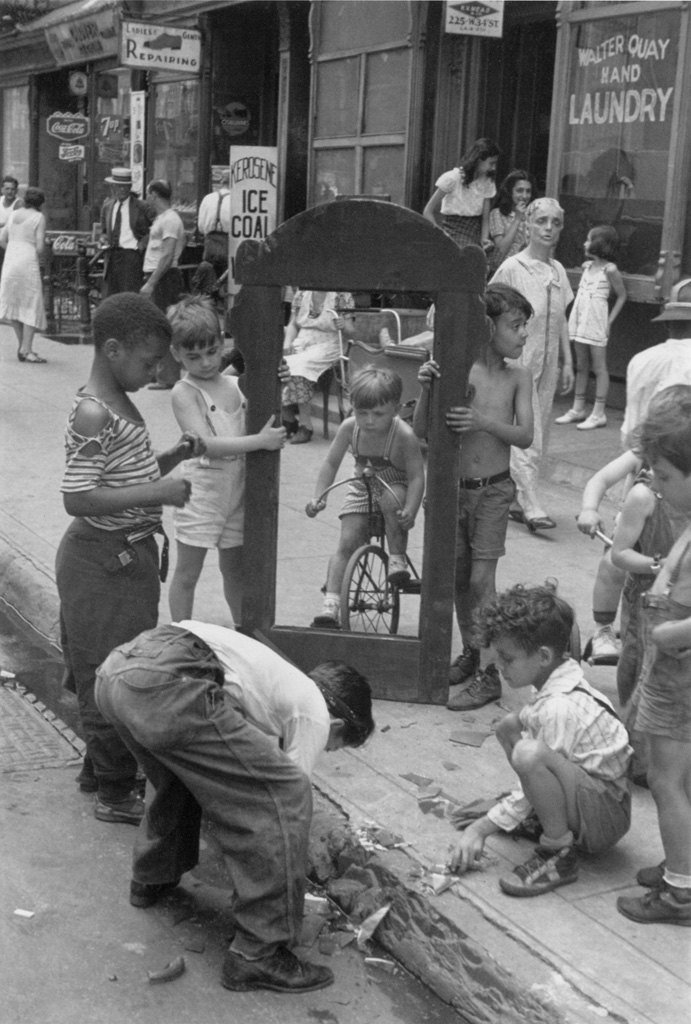Street photographer helen levitt who documented new yorks street life beginning in the 1930s is one of those neglected artists