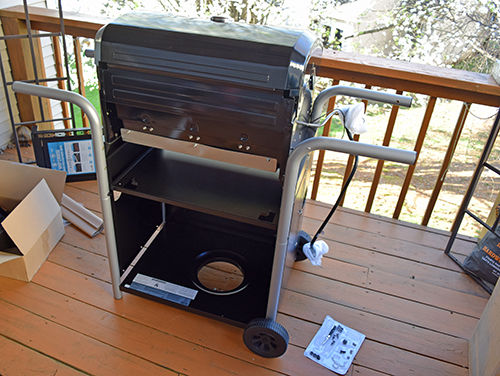 Char-Broil gas to charcoal hybrid grill assembled in less than one hour