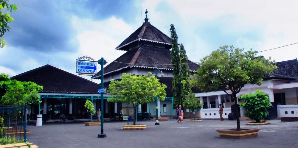 Sekilas sejarah berdirinya Masjid Agung Demak
