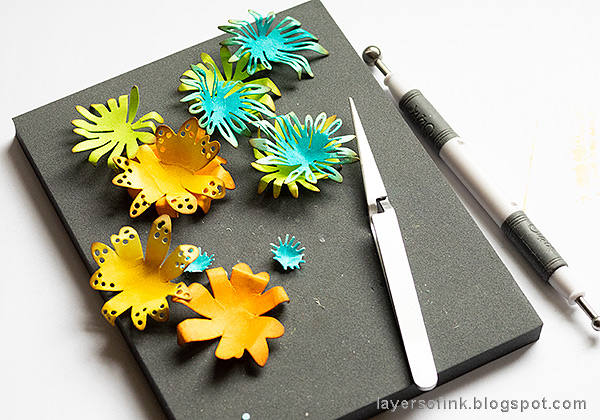 Layers of ink - Inky Blossoms Card Tutorial by Anna-Karin Evaldsson. Shape the paper flowers.