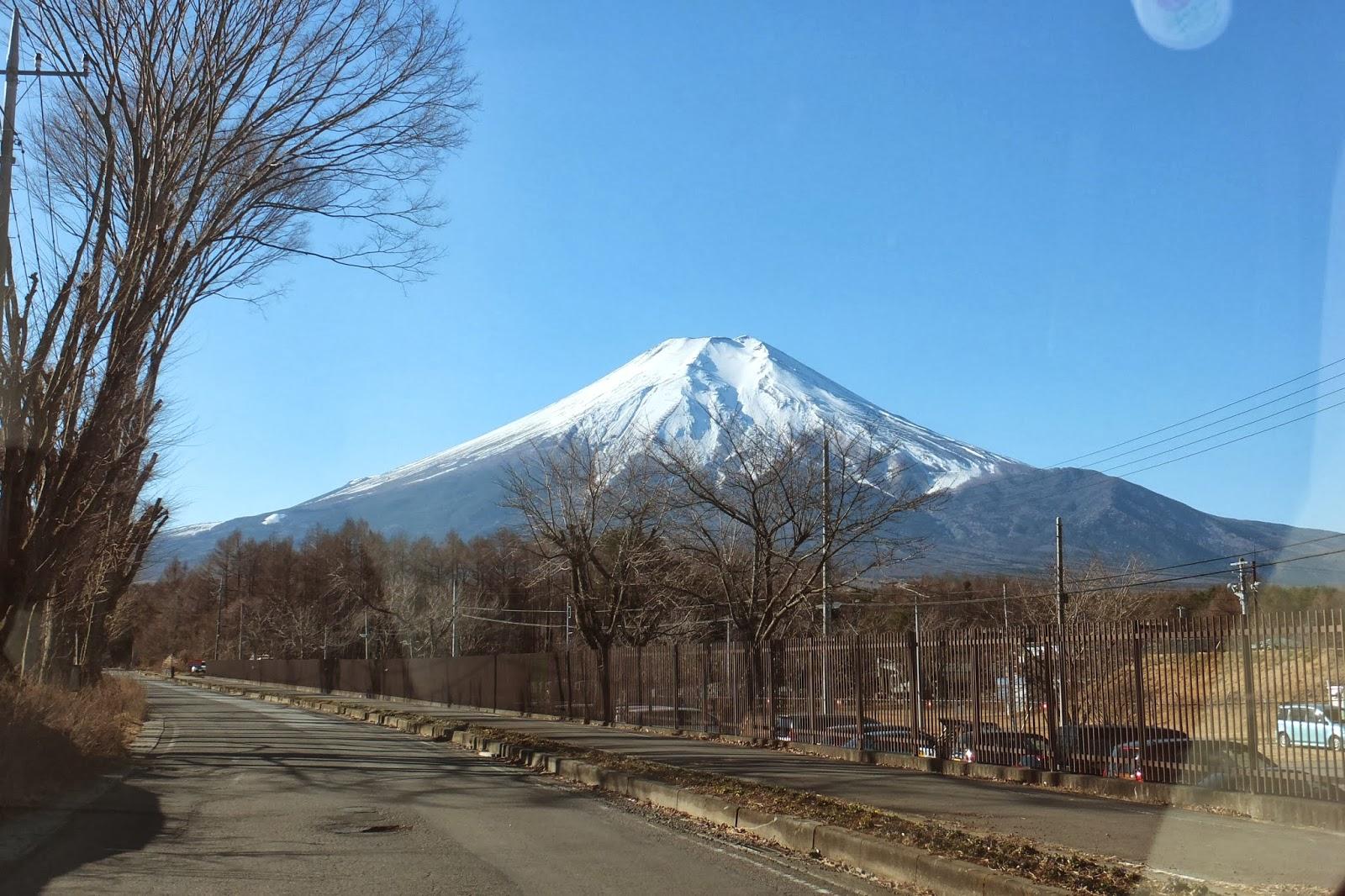 Mt.Fuji-in-the-morning 朝の富士山