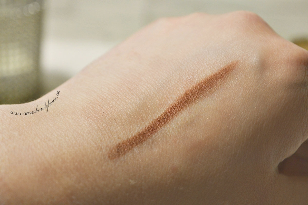 Manhattan Endless Stay Eyeshadow Pen - N° 40 Bronze Beat Swatch