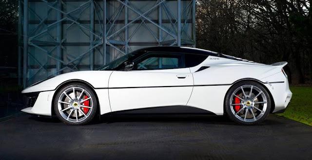 007のボンドカーをモチーフにした世界に1台だけの「ロータス・エヴォーラ」