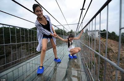 China Builds first glass-bottomed Bridge in the world. mynaijainfo.com