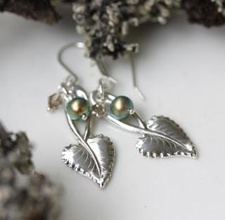 lusikkakorut, uusiokorut, hopeakorvakorut, hopeiset korvakorut