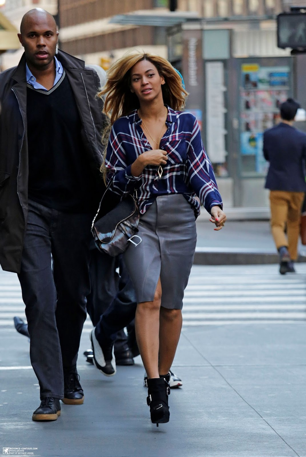 21 Best Beyonce S Street Style Outfits Geeks Fashion