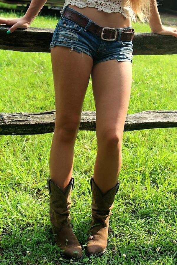 Hot Sexy Girls & Women in the Green Grass
