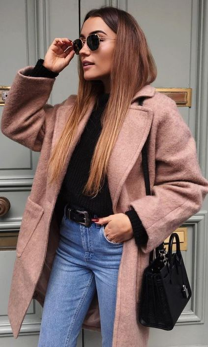 amazing winter outfit / nude cashmere coat + black top + bag + skinnies