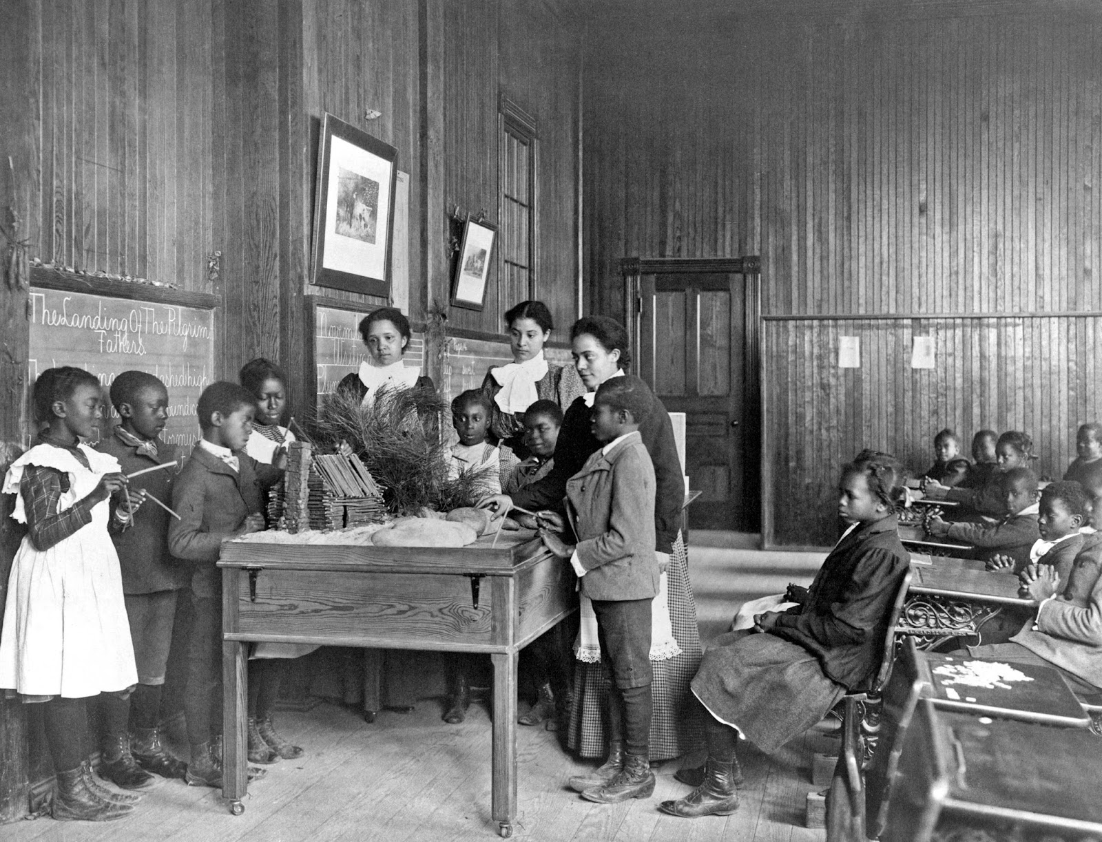 38 Amazing Vintage Photos That Document U S Classroom Scenes From The Late S To The Early