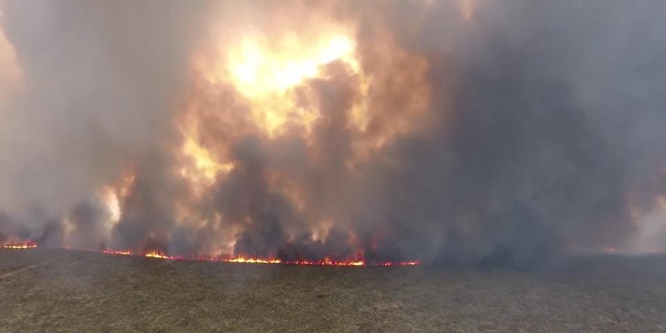 Cortan ruta 3 por incendio en Chubut