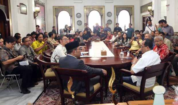 Menteri Budi Tampung Aspirasi Kota Bandung