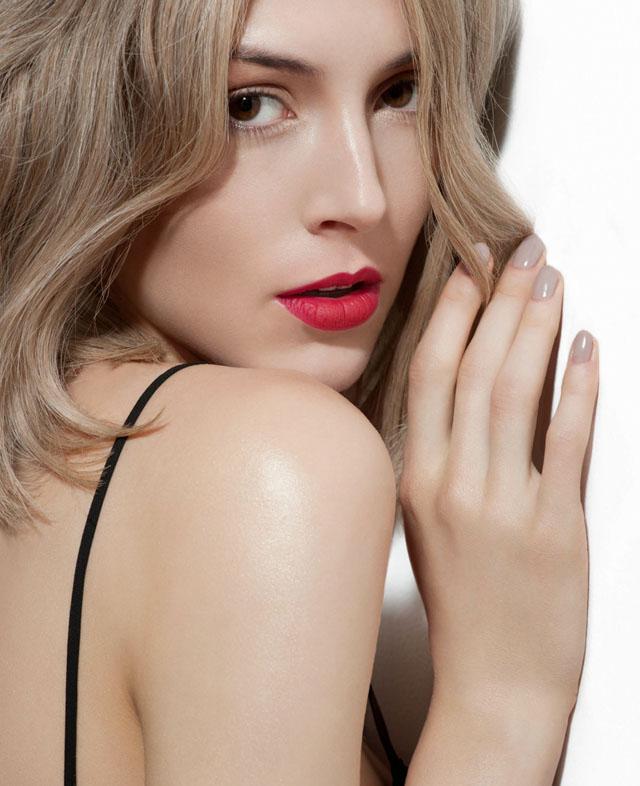 Liz Martins, Matte makeup