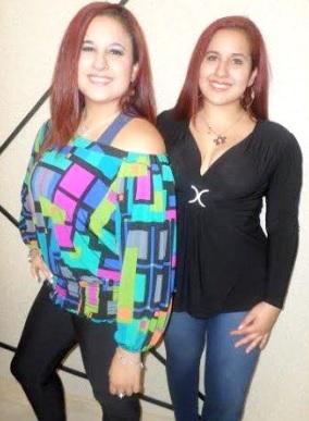Foto de las gemelas Andrea e Irene Ramos fuera de los escenarios