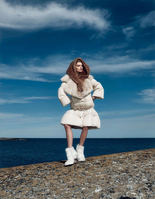 Fendi 2015 AW Oversize Down Jacket With Big Fur Collar Editorials