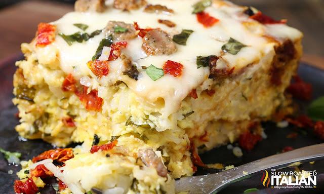 http://www.theslowroasteditalian.com/2016/03/slow-cooker-overnight-breakfast-casserole-recipe.html
