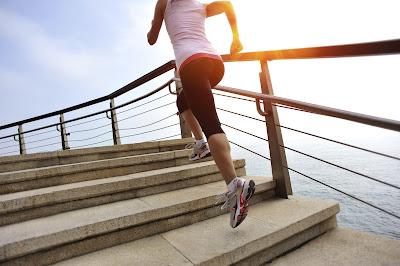Ejercicios con escaleras, deporte y salud