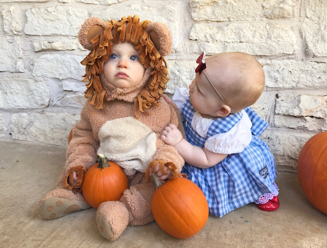 twin costume, wizard of oz costume, baby costume, baby dorothy costume, baby costume, twins first costume, halloween costume, twin costumes, baby halloween costume, baby lion costume, kids, kids fashion,