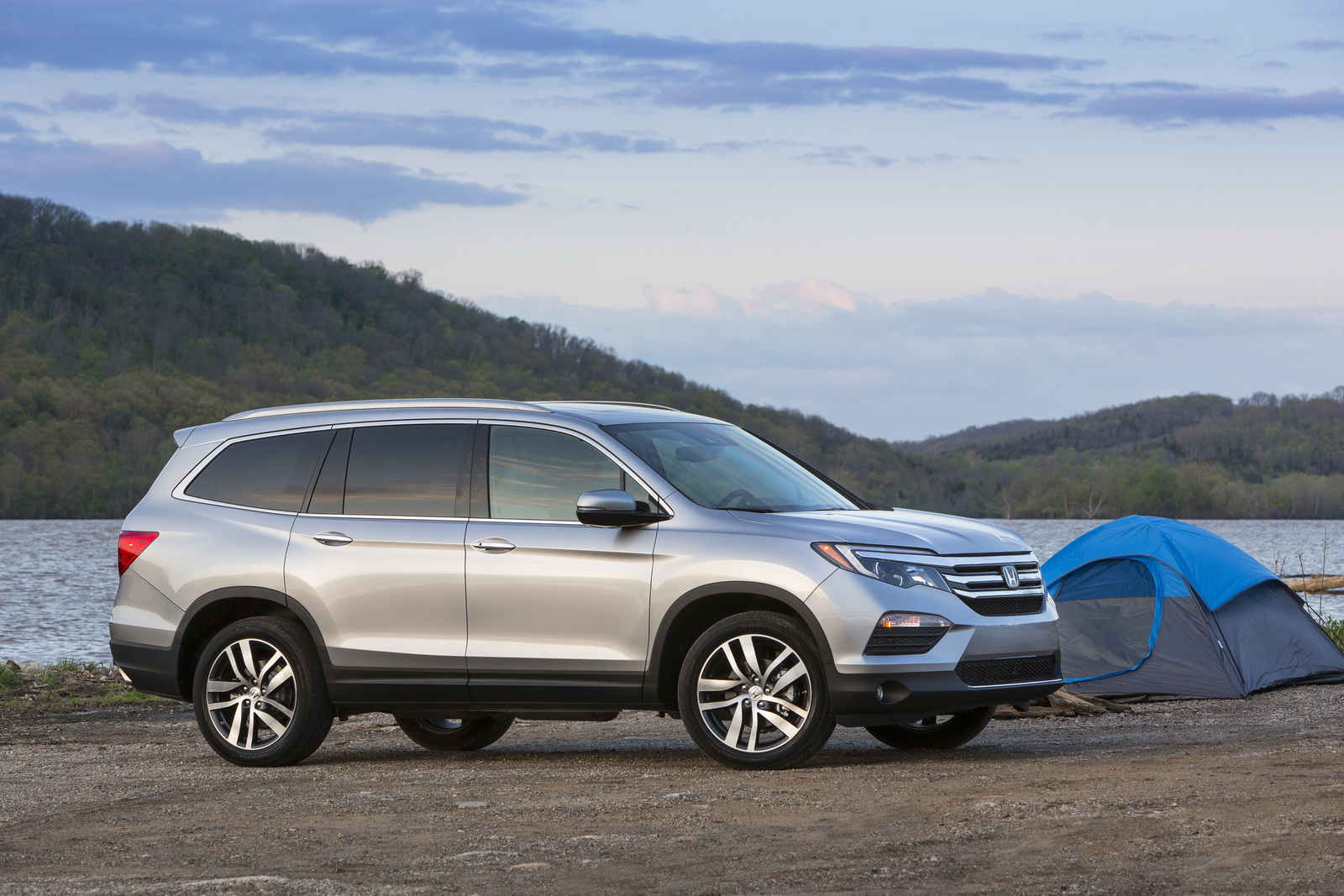 ... 2017 Honda Pilot / Disponible maintenant Avec Apple carplay & Android