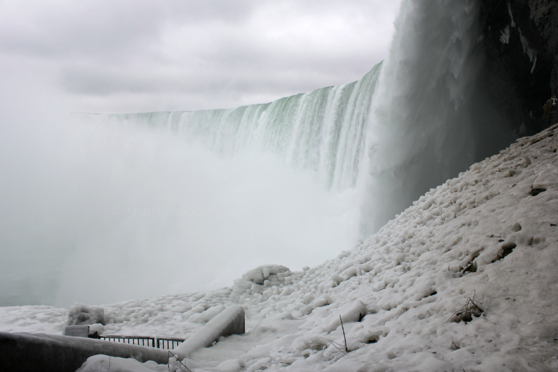 A Sleepover with a View in Niagara Falls, Ontario