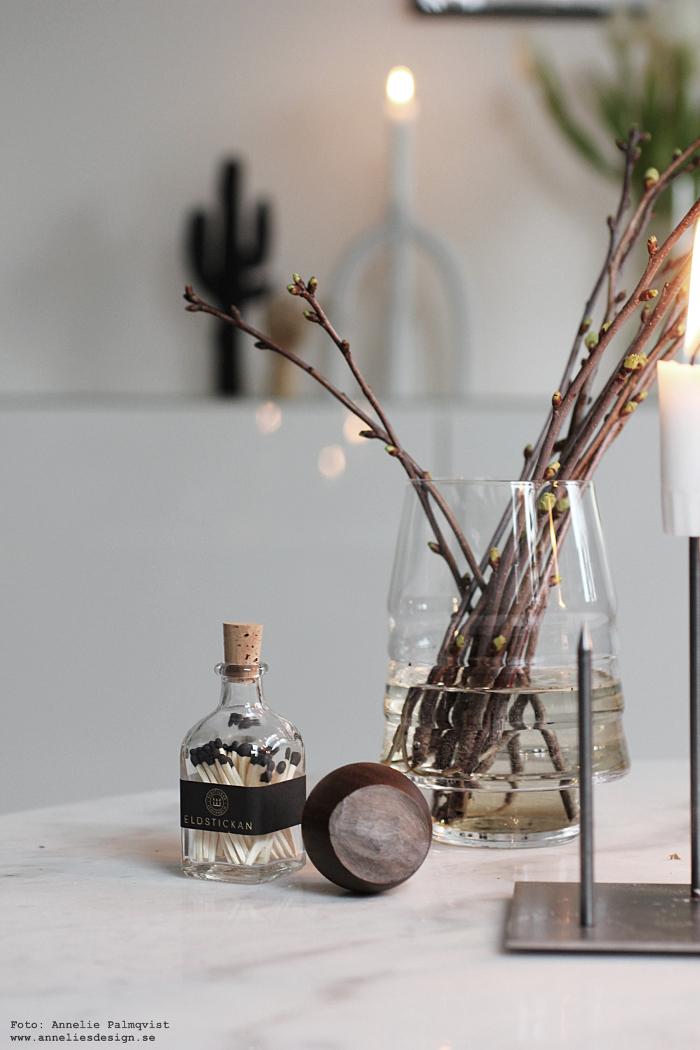 annelies design, körsbär, kvist, kvistar, vako, vas, smaelta, candle cross, ljusstake, ljusstakar, inredning, dekoration, eldstickan, tändstickor, flaska, hasselnöt, stumpastake, webbutik, webbutiker, webshop, nätbutik
