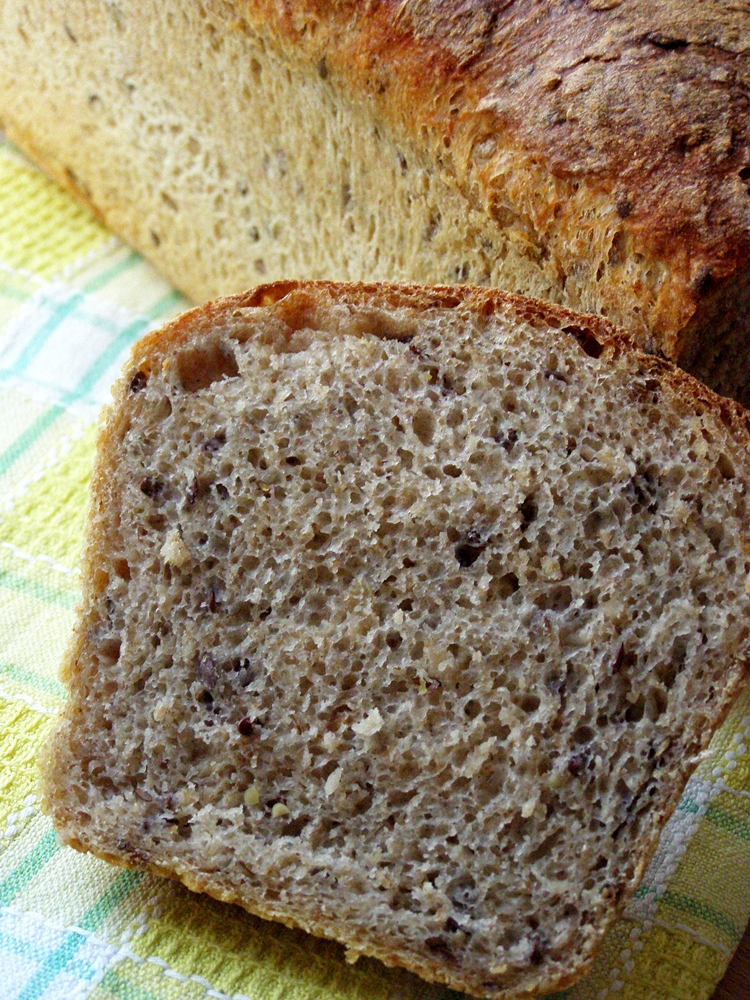 Domowy chleb z płatkami owsianymi