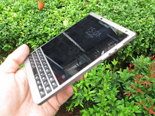 Blackberry Passport Seken Garansi TAM