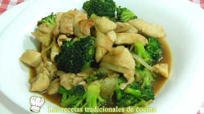Receta de brócoli salteado con pollo y salsa de soja
