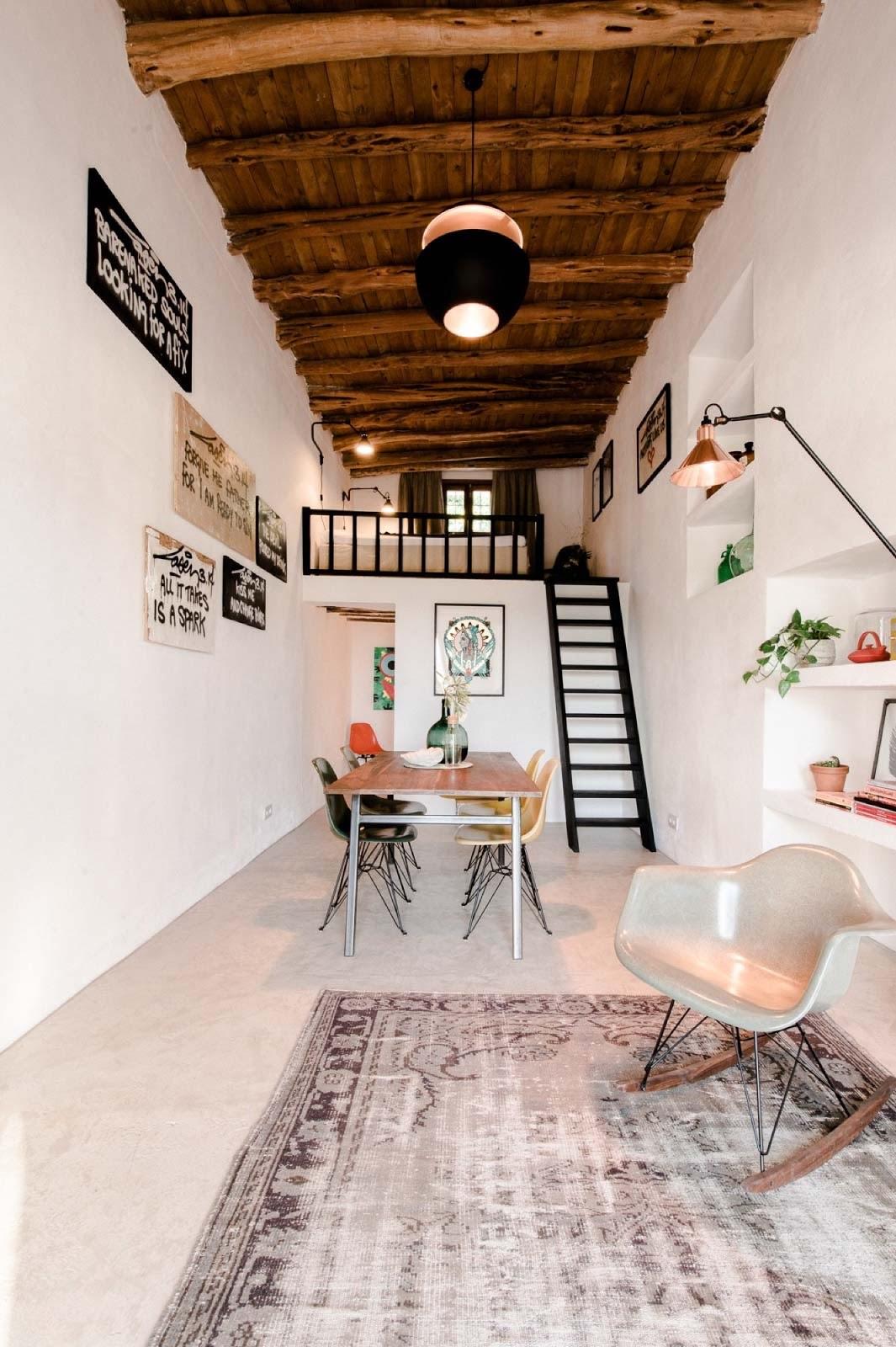 Una piccola casa di campagna a ibiza coffee break the for Design frontale della piccola casa