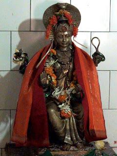 महादेव्यै च विद्महे विष्णुपत्नी च धीमहि