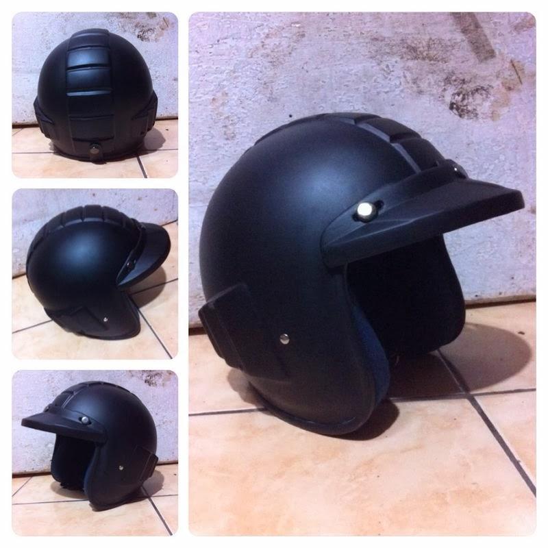Helm Retro  Helm Retro Pilot  Helm Retro Bogo Helm Robot