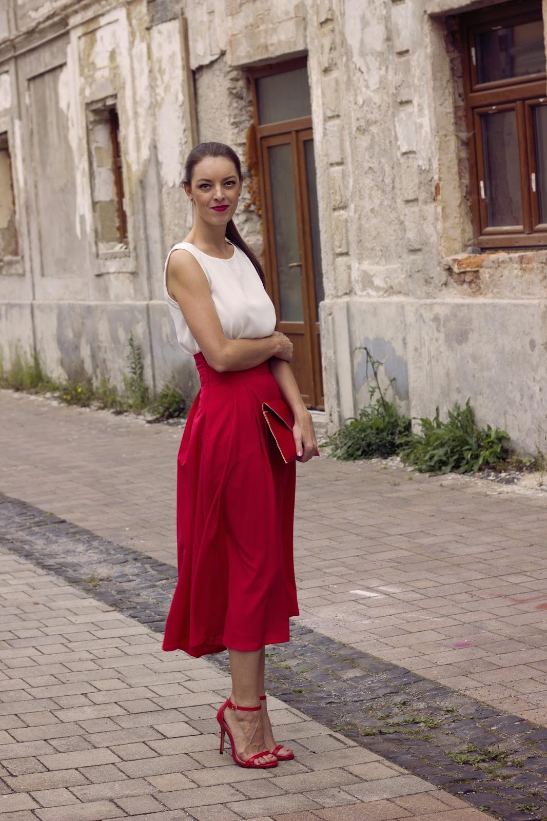 http://www.mademoiselleiva.com/2016/09/high-waist-red-midi-skirt.html