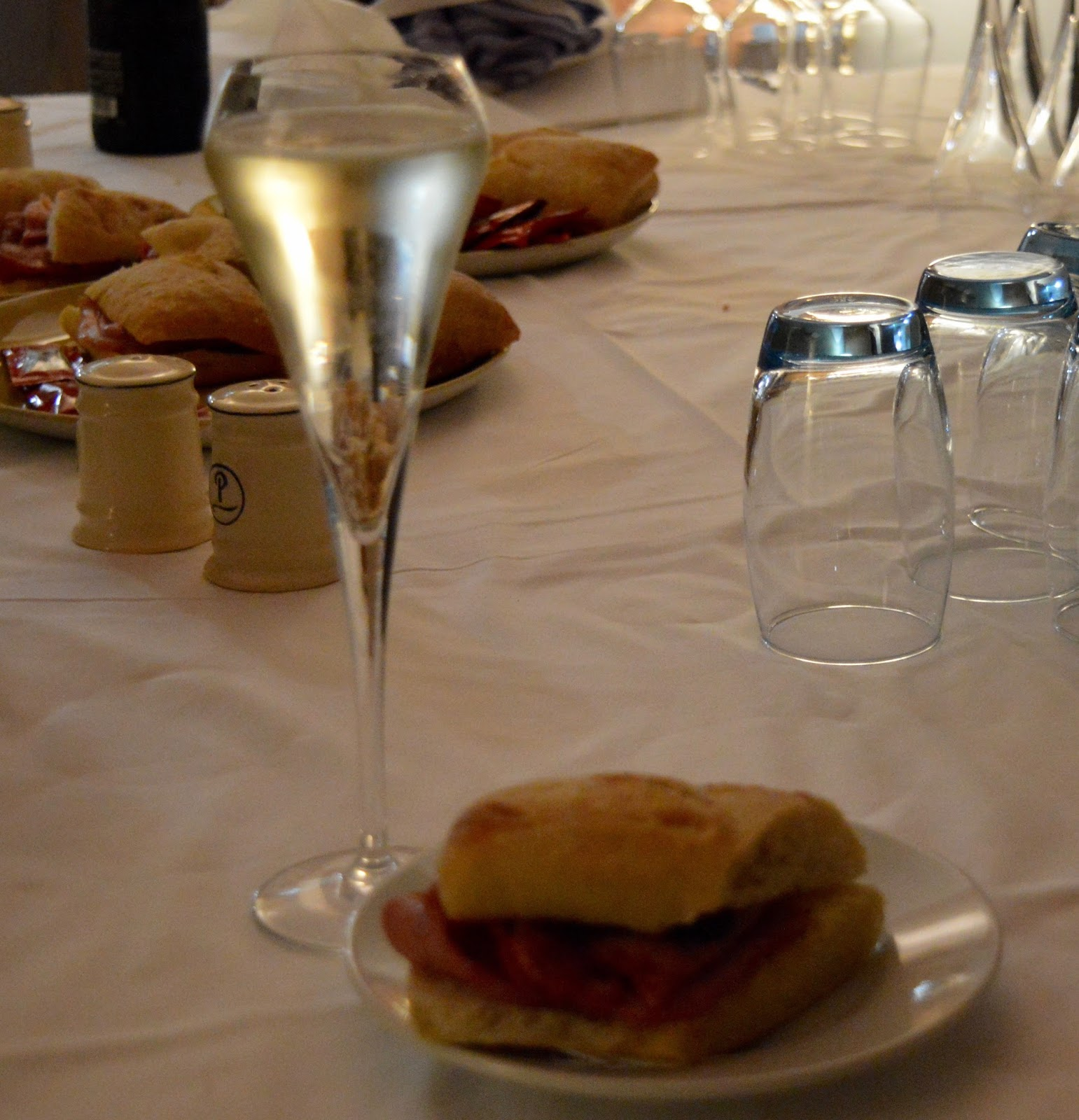 Tall Ships Regatta | Blyth 2016 | Commissioners Quay Inn - Bacon Sandwich and Prosecco