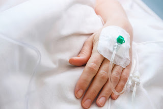 swollen-after-hand-intravenously