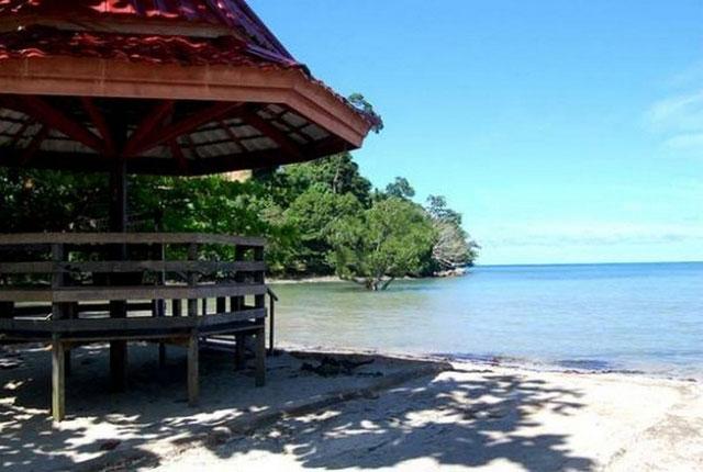 Pantai Mailan Makbon