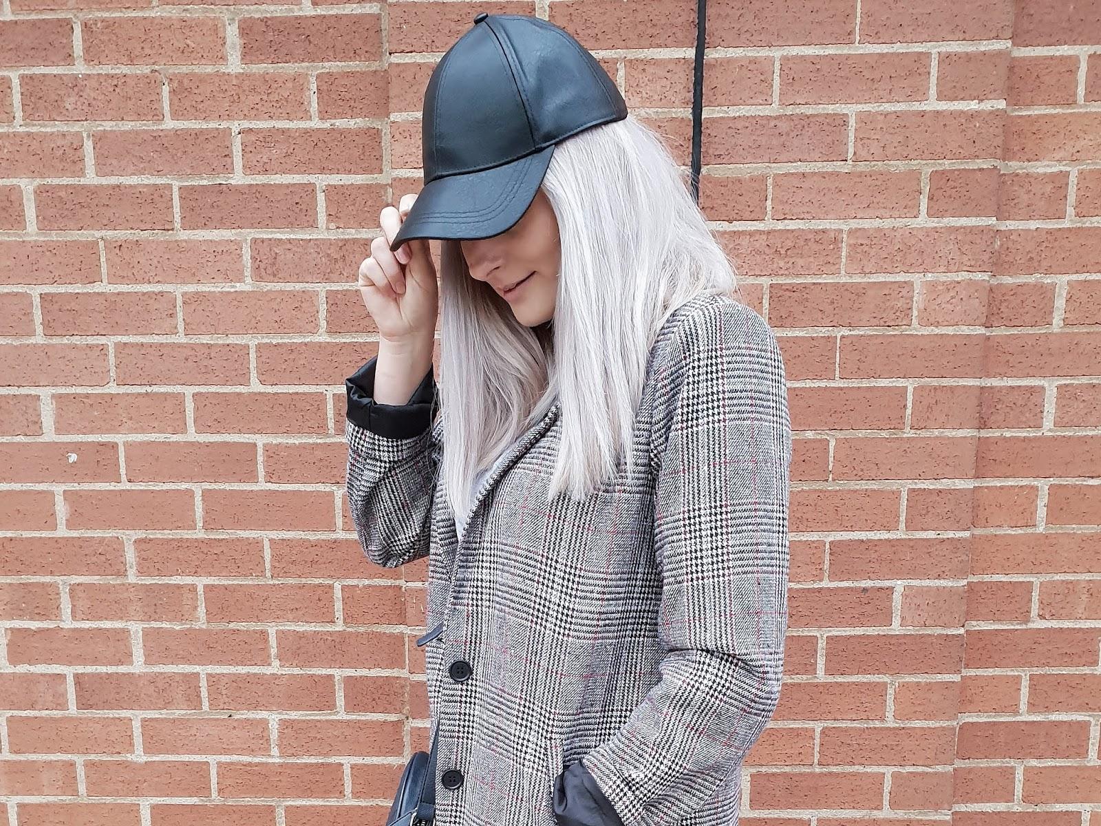 Summer monochrome czyli płaszcz w kratę w wersji casual