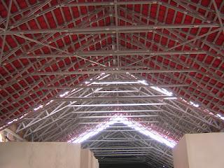 contoh rangka atap baja ringan minimalis galvalum zincalum dan plafon gypsum